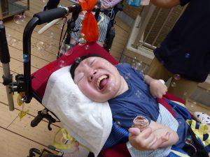 車椅子に座っている別の利用者さんの画像