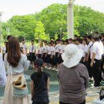 中学生の合唱風景の写真